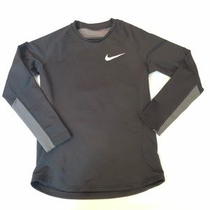 Nike Boys Long Sleeve Training Top XL Black Gray